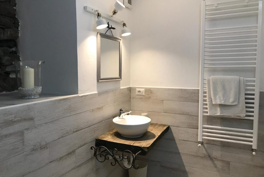 Bathroom Apt Argegno