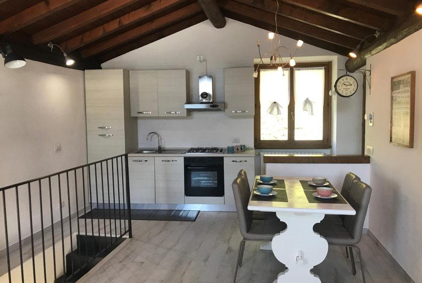 Kitchen Cottage Argegno Holiday