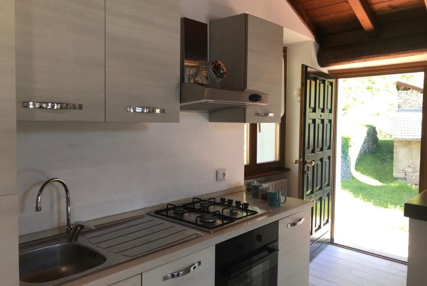 Kitchen House Argegno For Rent