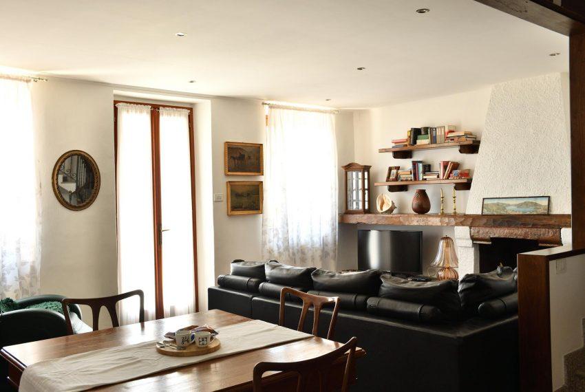 Living room Argegno apartment