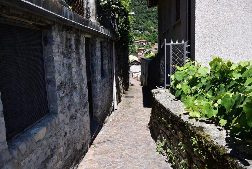 Narrow street for Argegno