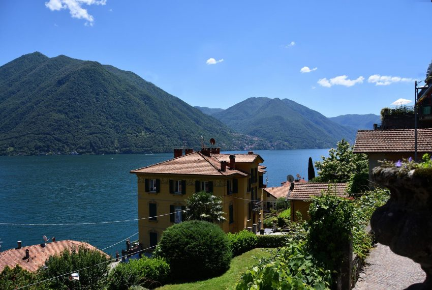 Panoramic view in Argegno apt