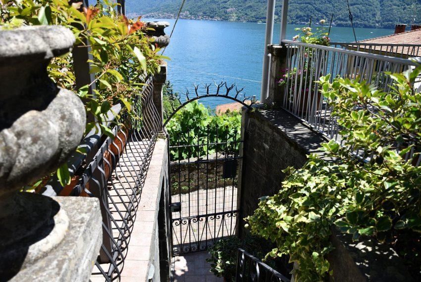 gate Argegno Apartment