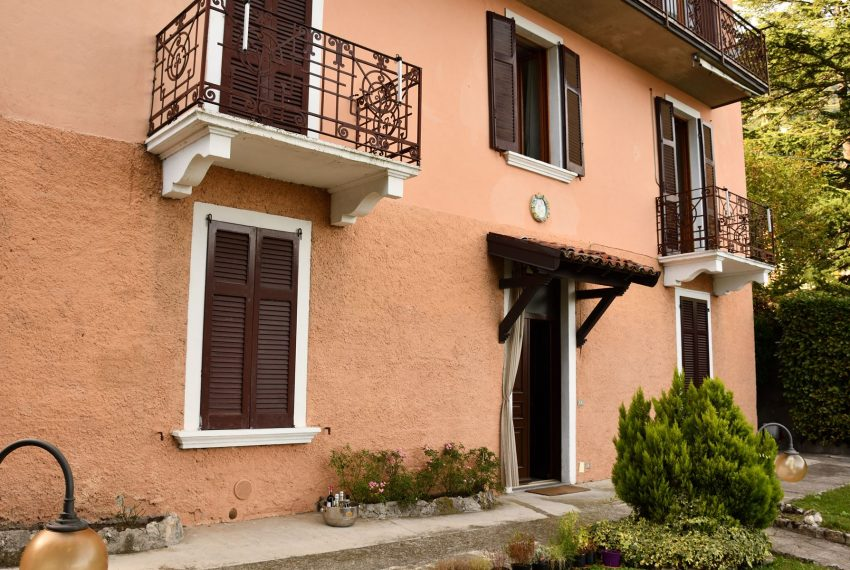 1.Apartment in Argegno for holiday rent