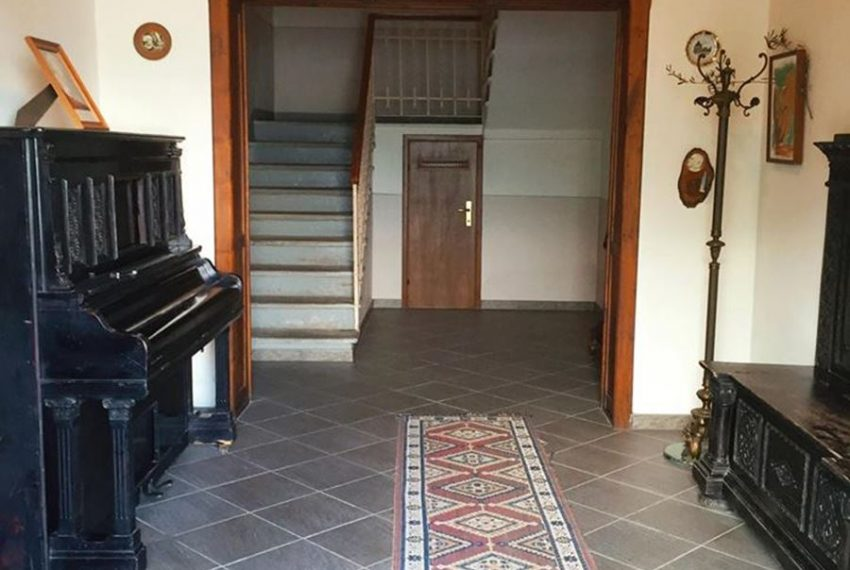 4.Apartment in Argegno - hall