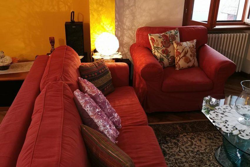 red sofa apartment in VIlla Lake Como
