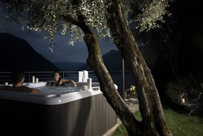 Villa on Lake Como with Jacuzzi