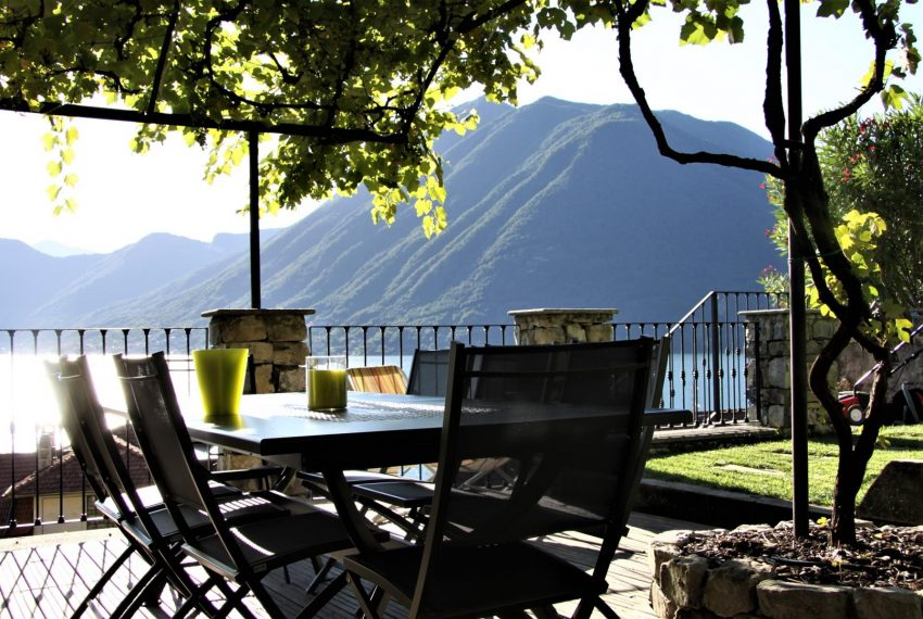12.Beautiful day on Lake Como Villa for rent