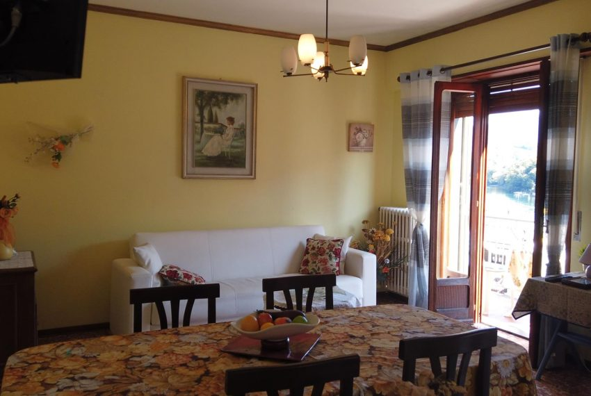 15. living room Sala Comacina apt
