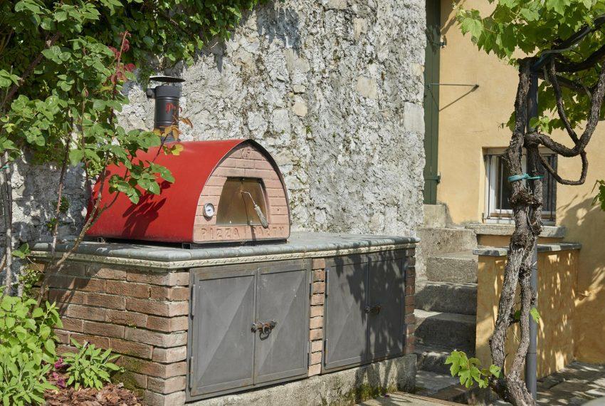 16.Pizza oven details Villa Lake Como