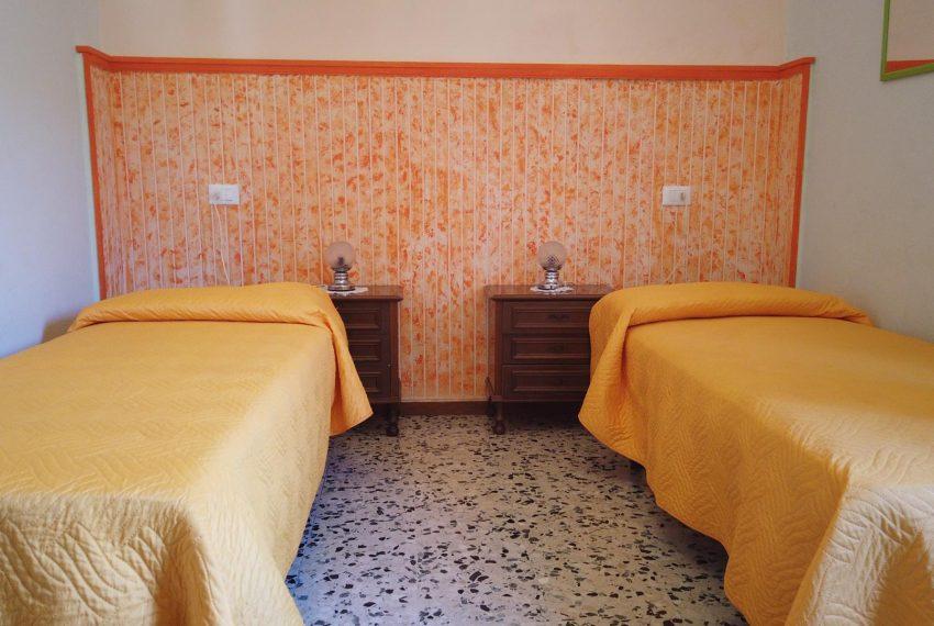 21. Second bedroom apartment Sala Comacina