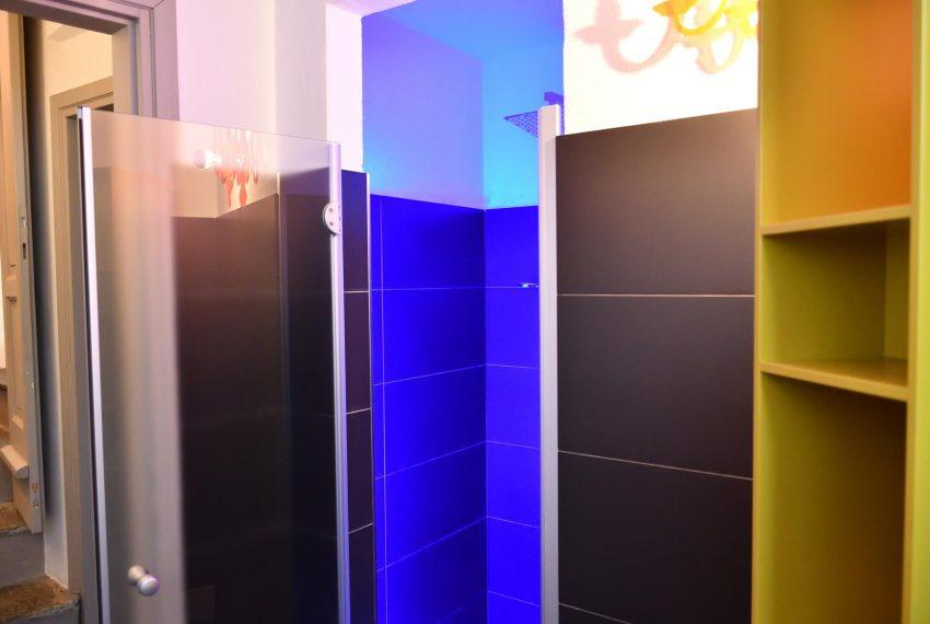 21a. Brazilian shower summer house Argegno