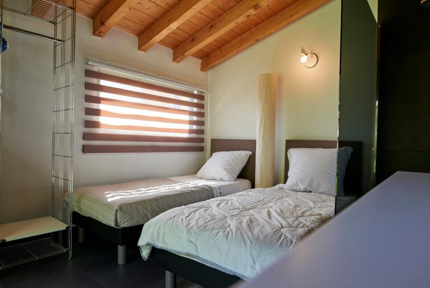23.Extra bedroom with shower holiday property Lake Como
