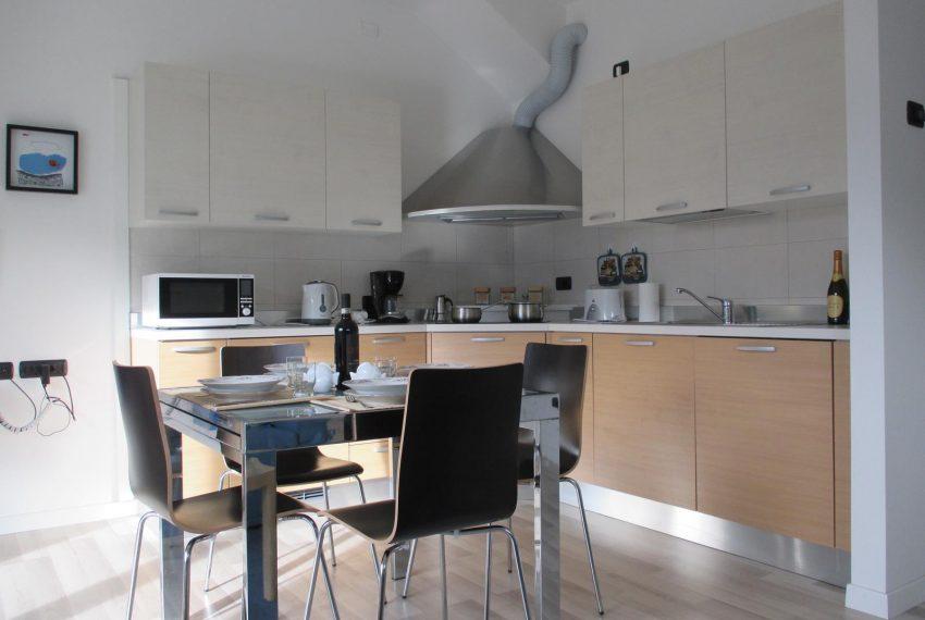 9. Kitchen Ossuccio apartment