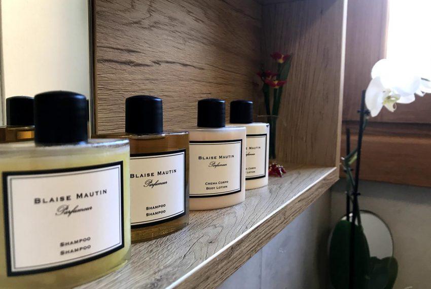 Bathroom details - Lake Como apartment