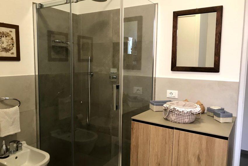 Lake Como apartment -bathroom