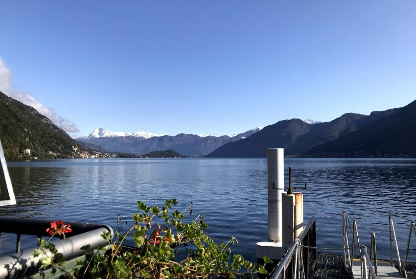Lake Como boat stop - Argegno