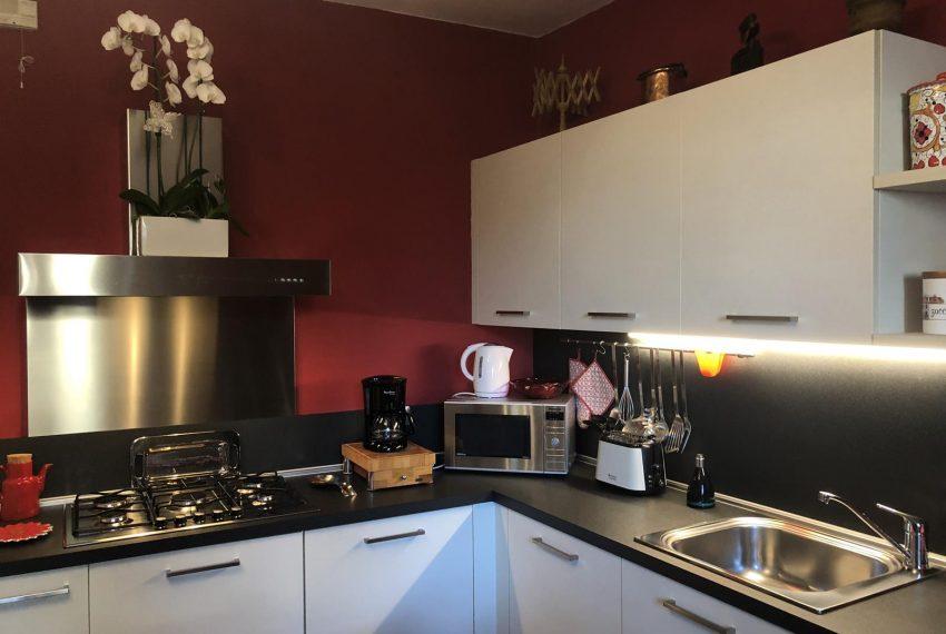 Lezzeno apartment - kitchen corner