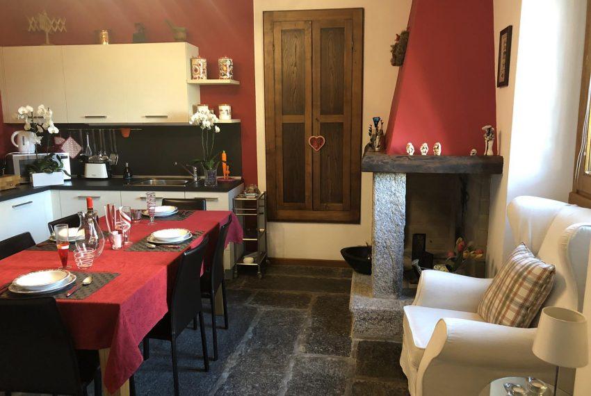 Lezzeno apt Lake Como - fireplace