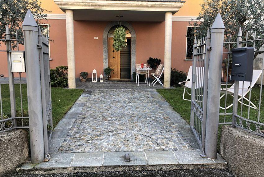Modern apartment Lezzeno - Entance