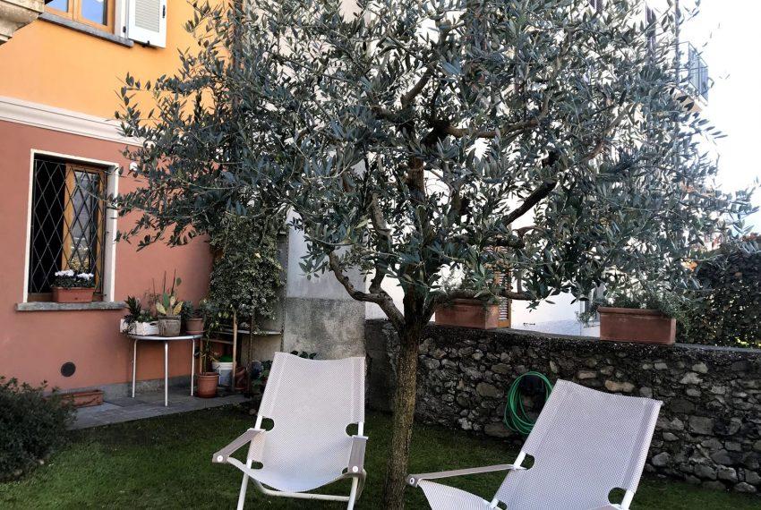 Peace and quite in the garten - apt Lake Como