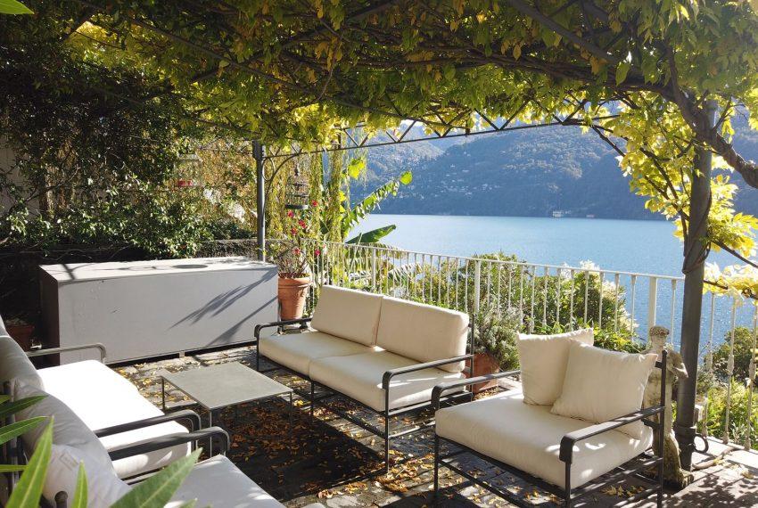 Elegant apartment on Lake Como