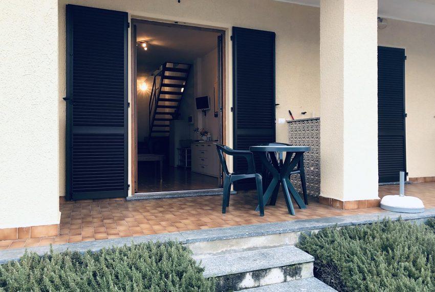 2. Nice terrace Lezzeno apartment for rent