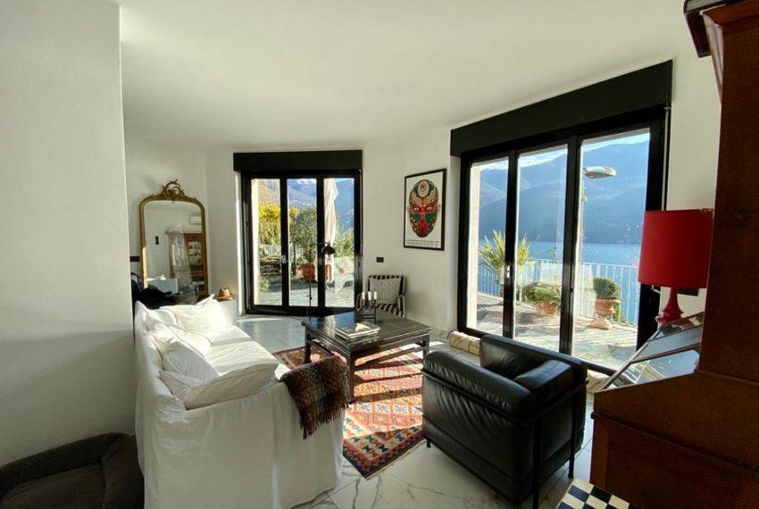 22. Nice living room with view Lake Como