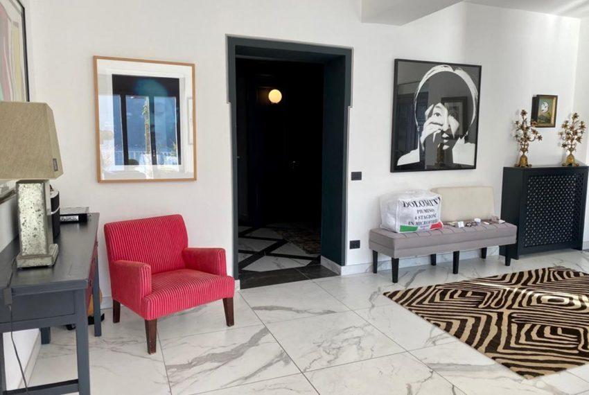 23. Elegand living room apat near Como
