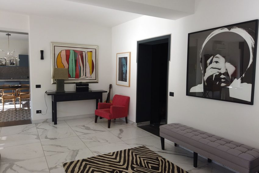 25. modern apartment Lake Como