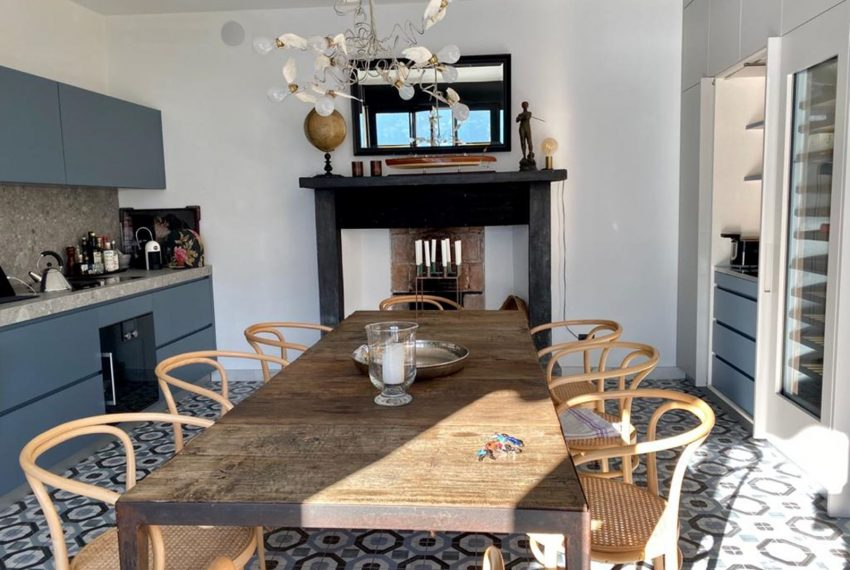 29. modern kitchen apartment for rent Lake Como