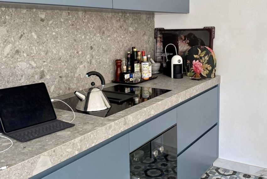 30. Kitchen Fitted Carate Urio holiday house