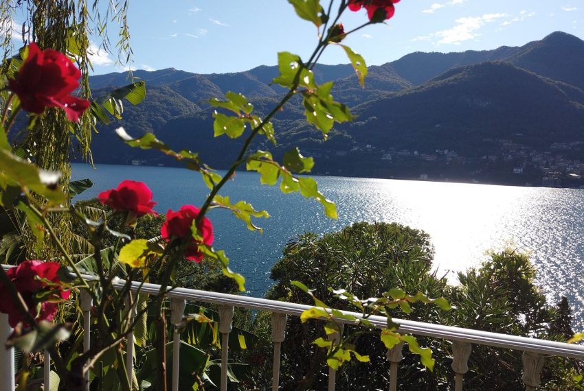 4. Elegant holiday aparment Carate Urio