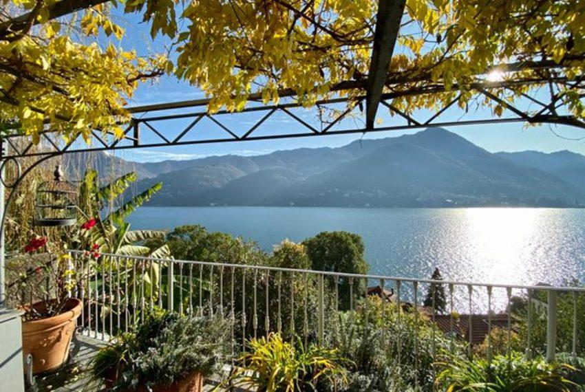 7. Amazing Lake Como view apartment for rent