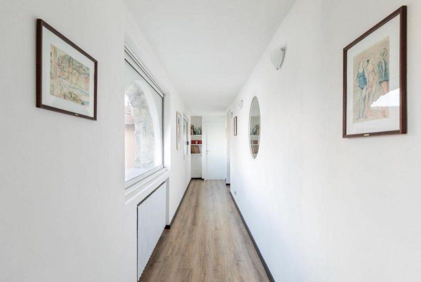 3. Hall - entrance apartment in Argegno Lake Como