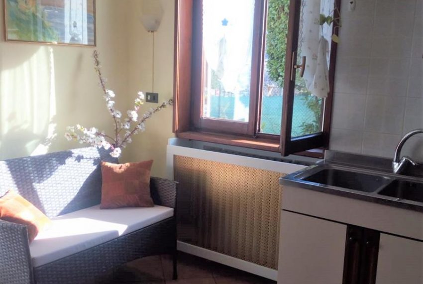 4. Relax corner in the kitchen Lake Como