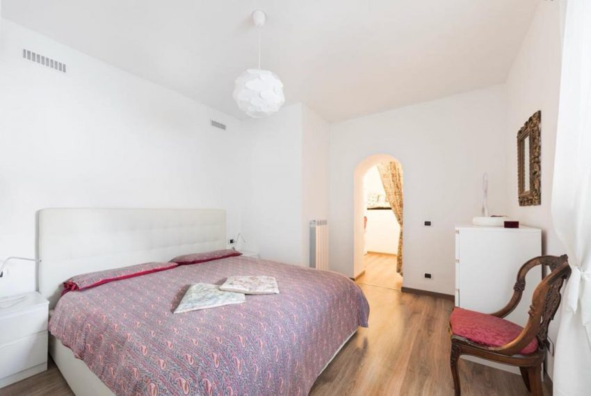 6. Bedroom with double bed Argegno