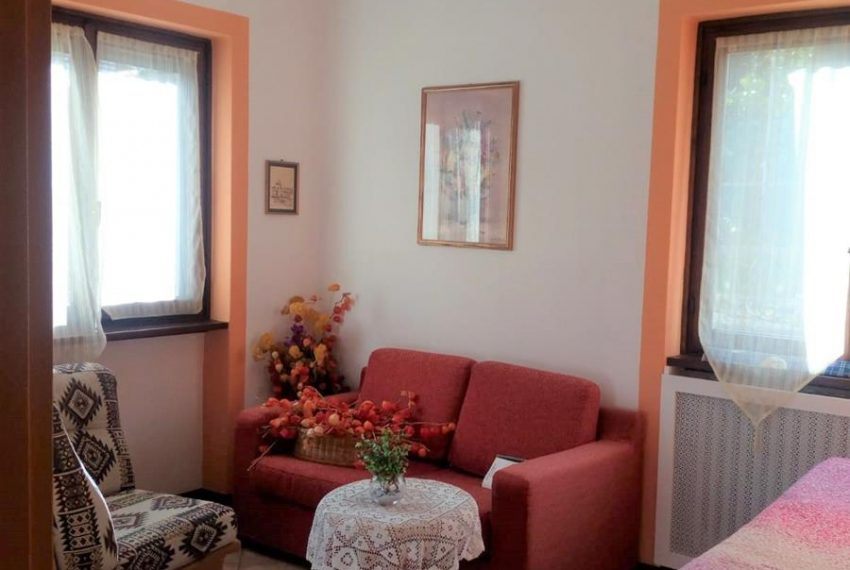 7. Secon room with single bed Cerano apartment