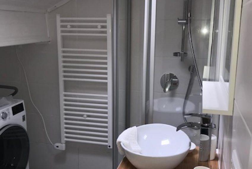 12. Bathroom Villino near Argegno