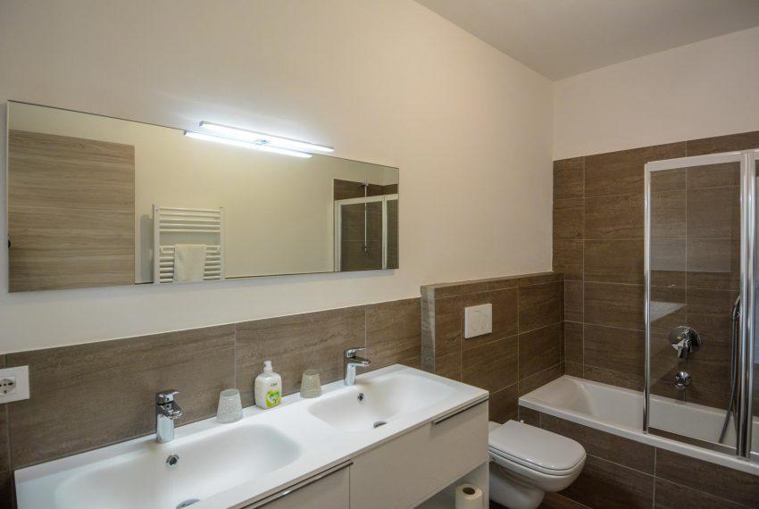 20. Bathroom VIlla Ossuccio