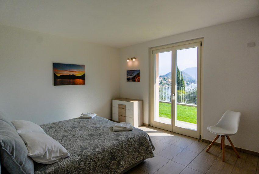 21. Bedroom ground floor Villa Ossuccio