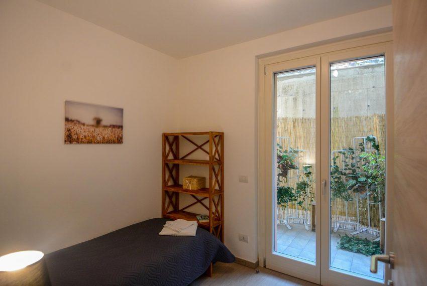 23. Bedroom with single beds Lake Como