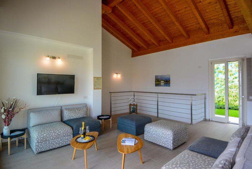 26. Relaxing area first floor Villa Ossuccio
