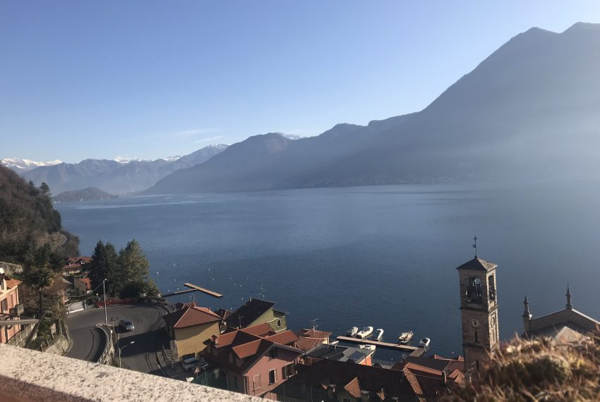 3. Lake view apartment in Argegno
