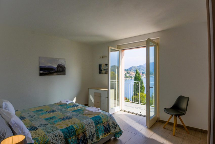 30. Bedroom with double bed Villa for holiday