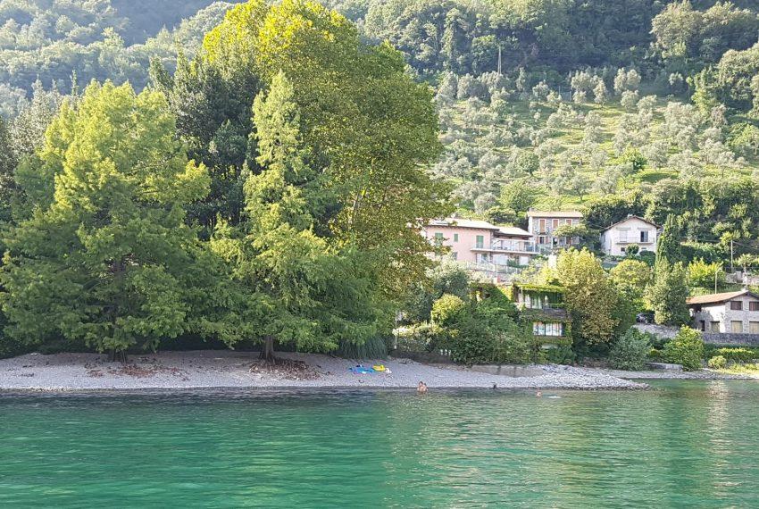 33. Isola Comacina in front of Villa Ossuccio