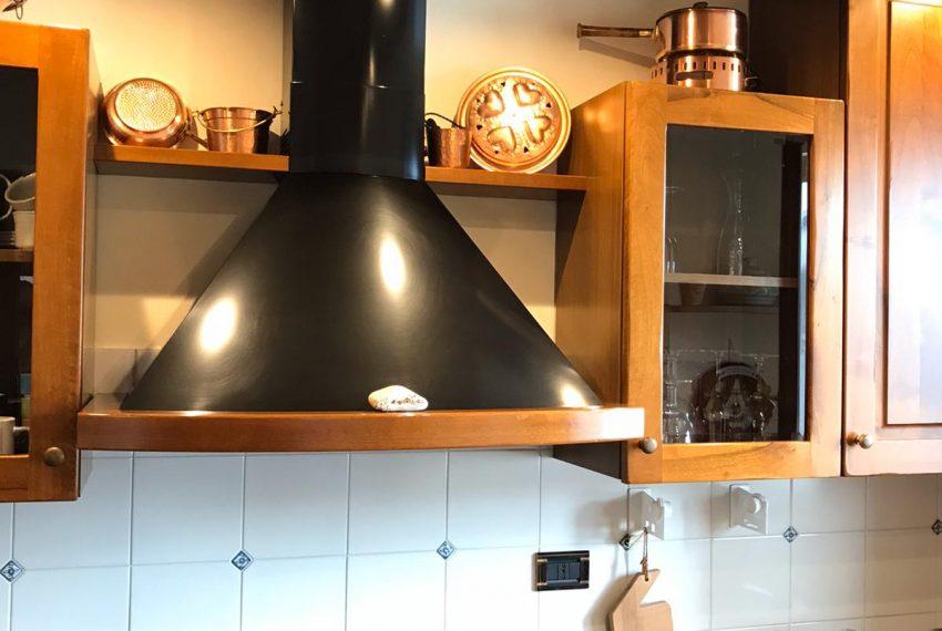 5. Kitchen Argegno apartment