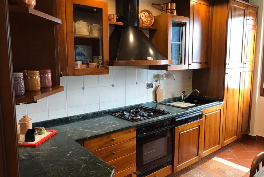 5. Kitchen apt for rent Argegno