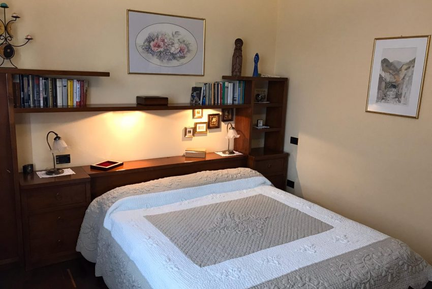7. bedroom with double bed