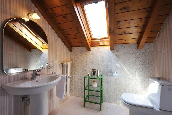 17. Bathroom Villa Florines in Lenno Lake Como